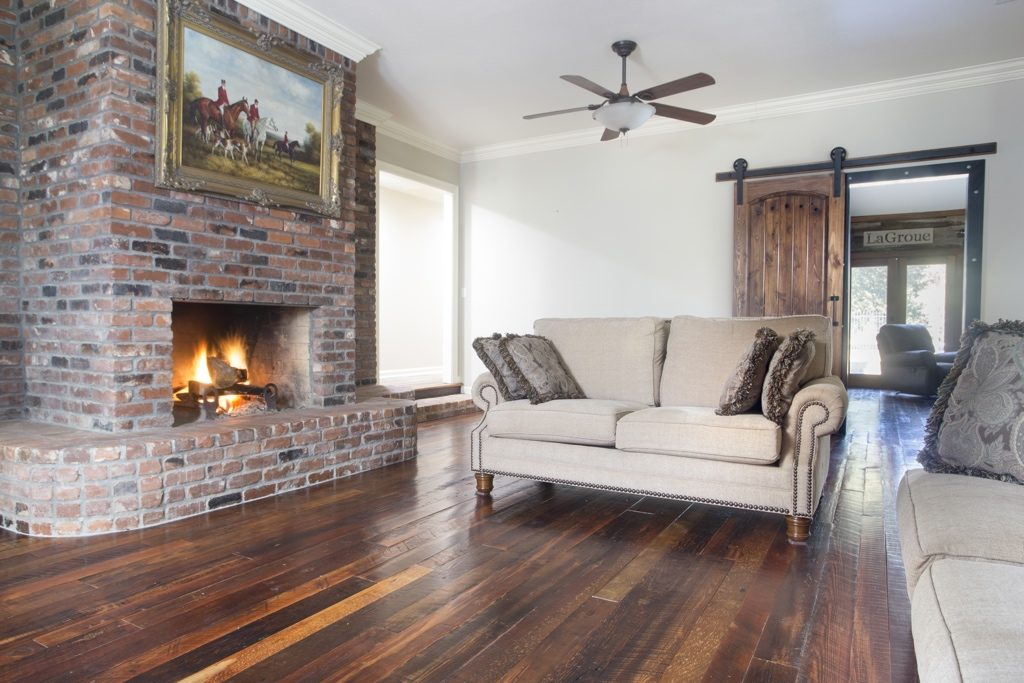 The Best Way to Keep Your Hardwood Floors Shiny and New!